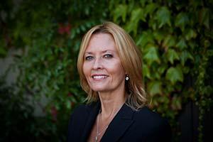 Leslie Murphy - CEO